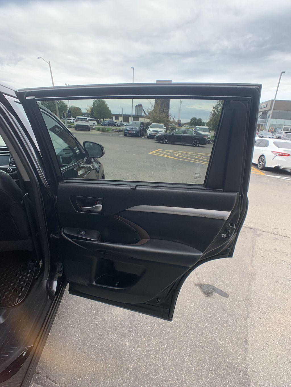 Black[Midnight Black Metallic] 2018 Toyota Highlander Left Rear Interior Door Panel Photo in Brampton ON