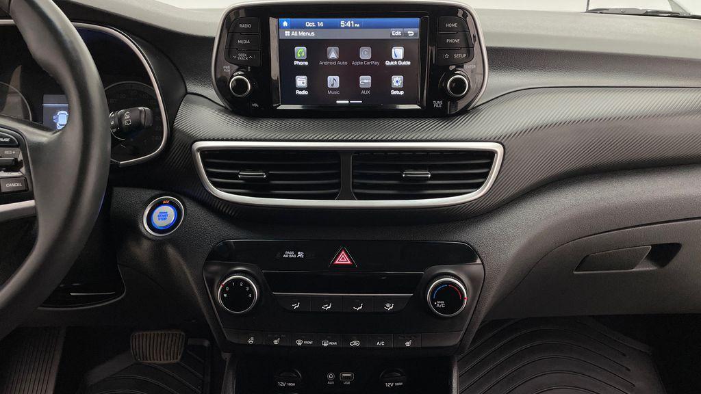 White[Crystal White] 2020 Hyundai Tucson Preferred AWD Additional Photo 2 in Winnipeg MB