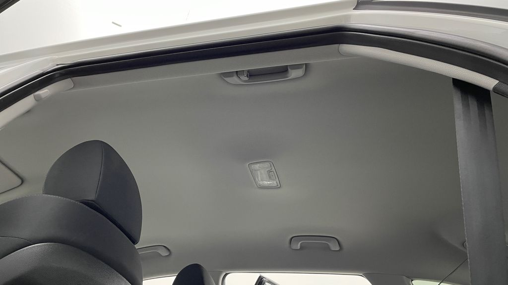 White[Crystal White] 2020 Hyundai Tucson Preferred AWD Headliner / Equipment Photo in Winnipeg MB