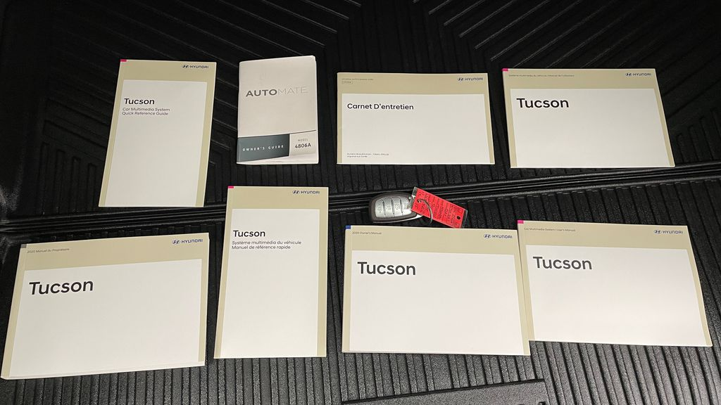 White[Crystal White] 2020 Hyundai Tucson Preferred AWD Mobile Accessories in Winnipeg MB