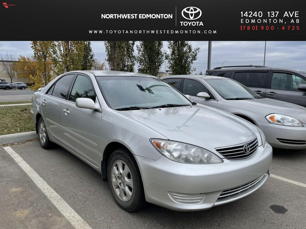 Gray 2005 Toyota Camry XLE